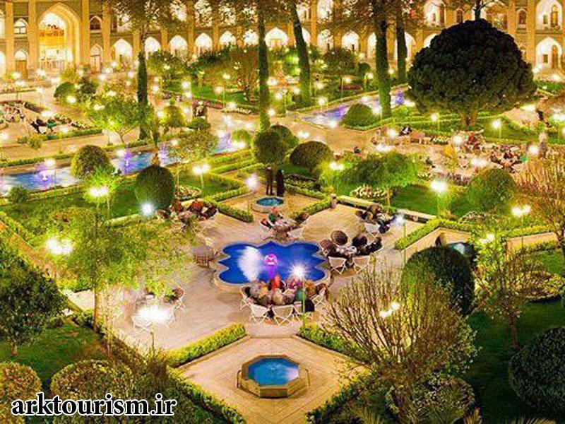 هتل-شاه-عباس-در-اصفهان-اصفهان-دیدنی-های-