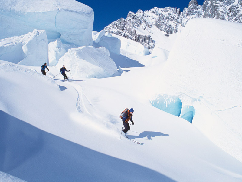 New-Zealand-Ski-_Tasman-Glacier-1
