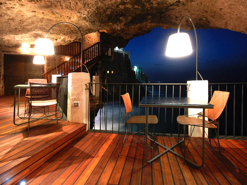 The-Summer-Cave-Restaurant-Italy-4