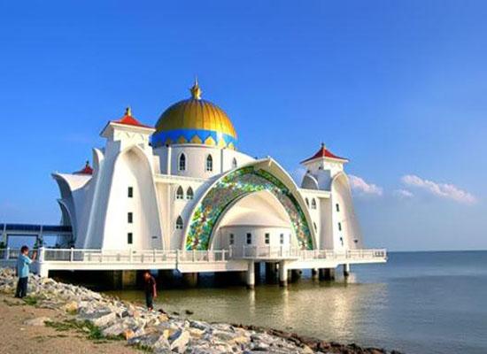 مسجد روی آب