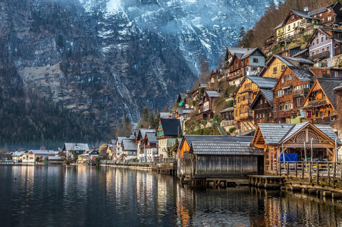 Top-10-Lakes-Hallstatt-Photo-by-Fabian-Vogl-740x492