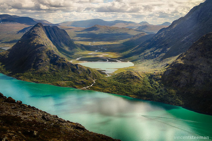 Top-10-Lakes-Norway-Photo-by-Vincent-Steeman-740x492