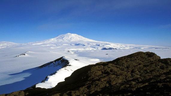 Mount-Erebus-Volcano-571x322
