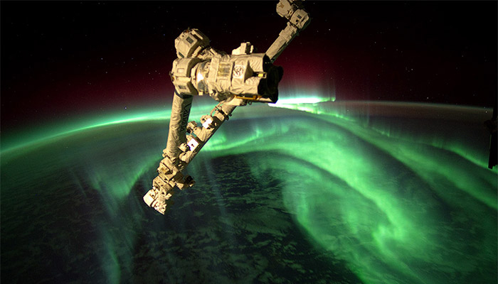 space-station-above-aurora-borealis