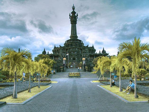 bali-monument-bajra-sandi-picture