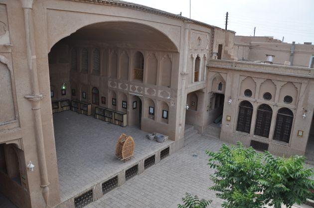 تالار_خانه_لاری_ها_یزد
