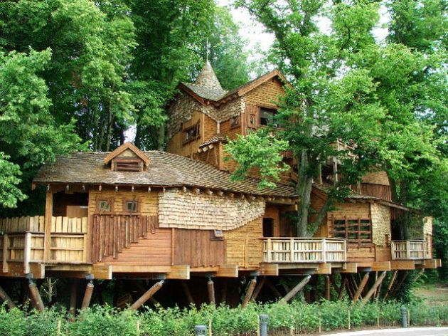 11646330Alnwick-Garden-UK-treehouse
