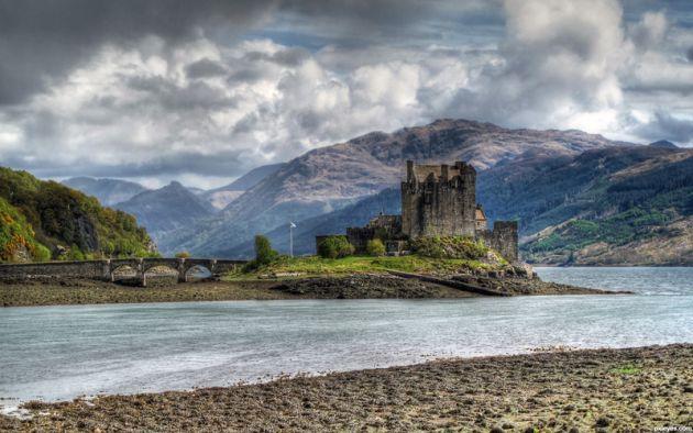 Eilean-Donan-Castle-5013e9ffac823_hires