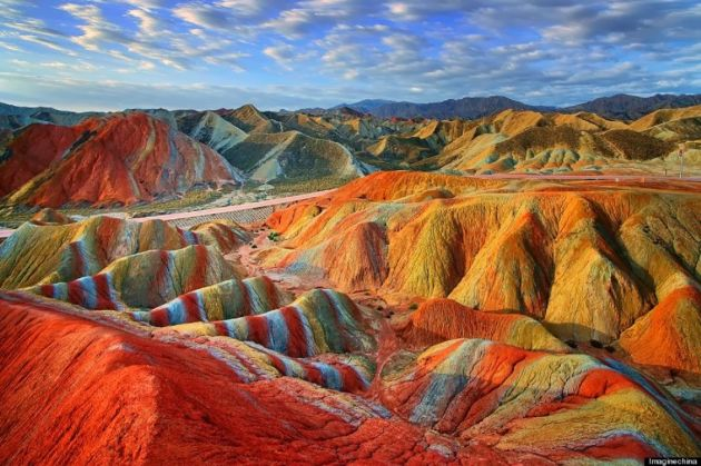 danxia-rainbow-colored-mountains-china-woe1