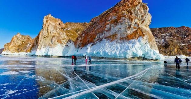 lake-baikal-winter-siberia-russia