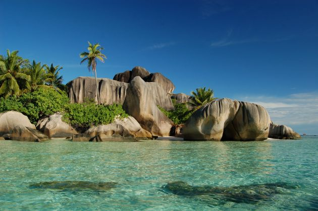 CORAL-STRAND-Anse-Source-dArgent