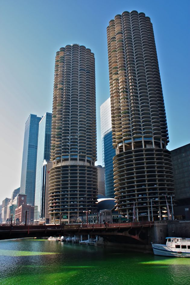 Marina-Towers-Chicago_700