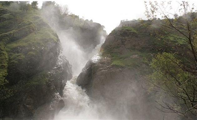 -آبشار-شلماش-54000-همگردی