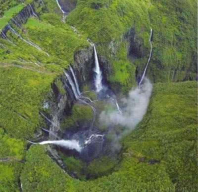تنگه-ای-زیبا-و-شگفت-انگیز-در-ماداگاسکار-10
