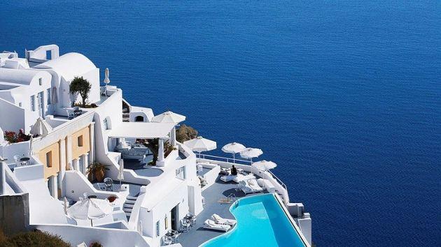 001-katikies-hotel-santorini-greece