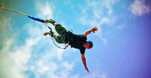macau-stag-bungee-jump-495x256