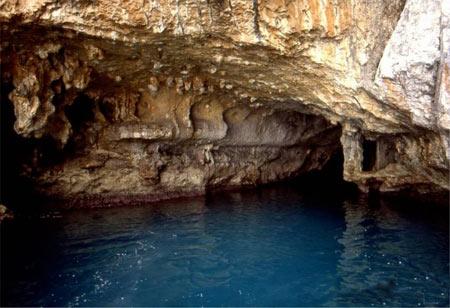 غار آبی1