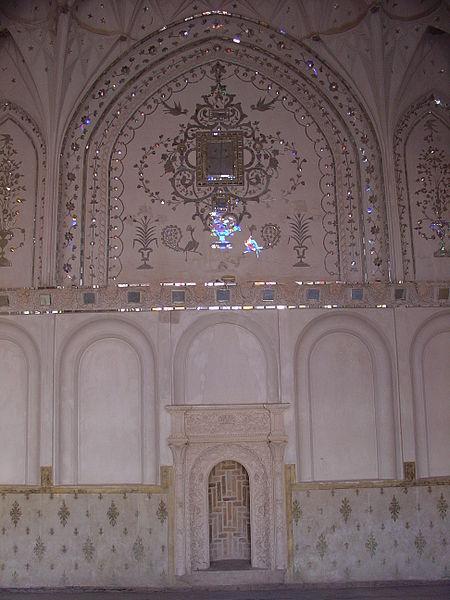 450px-Kashan-Ameriha_house5