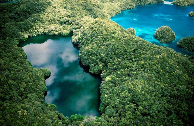 lakes-palau-island
