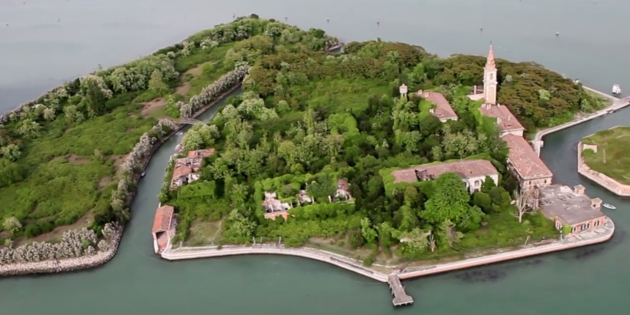 this-haunted-italian-island-just-sold-for-704000