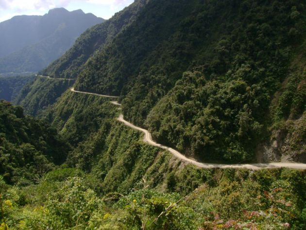 visit-or-avoid-death-road-in-bolivia-3