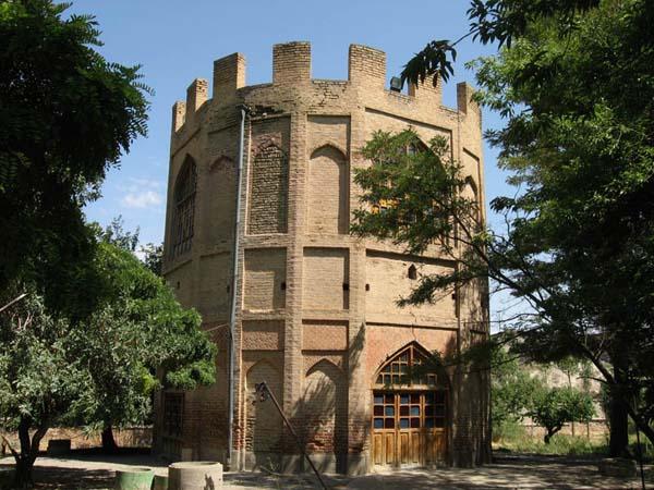 برج خلعت پوشان (2)