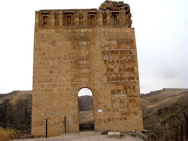 قلعه ضحاک (11)