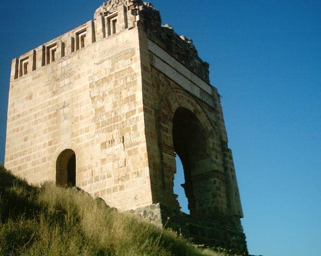 قلعه ضحاک (3)