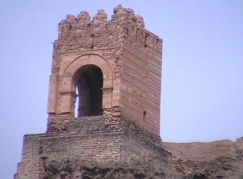 قلعه ضحاک (8)