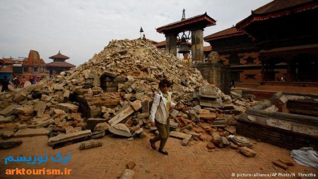 میدان دوربار در باختاپور پس از زلزله