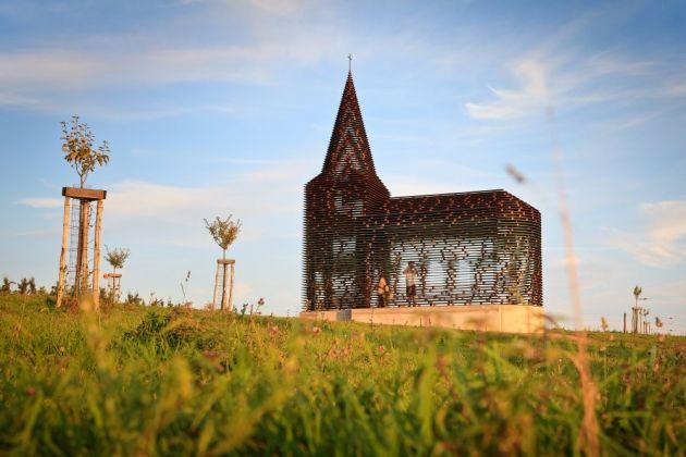 کلیسای نامرئی (10)