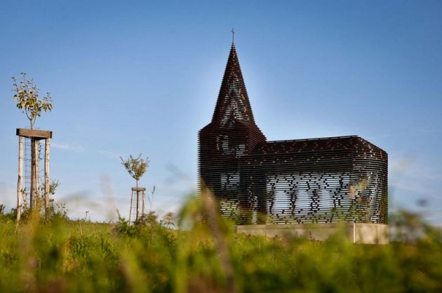 کلیسای نامرئی (8)