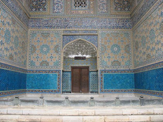 800px-Imamzadeh_Mahruq_Entrance0