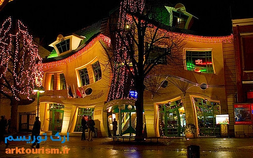 crooked-house-sopot-poland+12997415722-tpfil02aw-18799