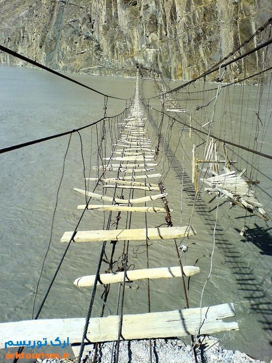 dangerous-rope-bridge-1