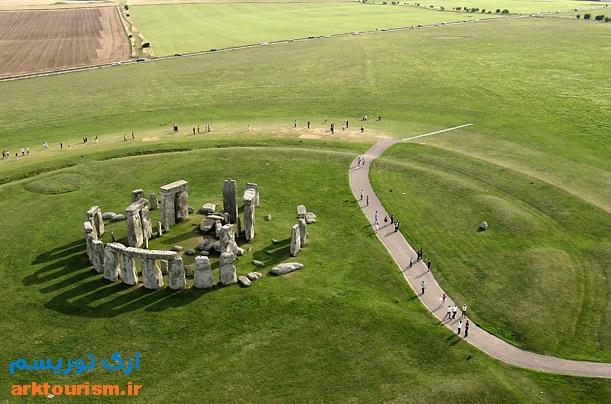 stonehenge.jpg1