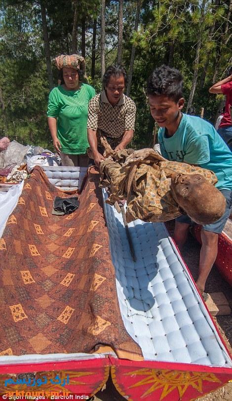 آرایش مردگان اندونزی (1)