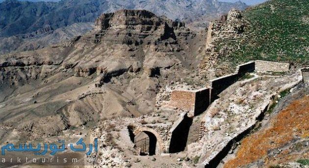 جاهای-دیدنی-اردبیل-قلعه-قهقهه-3