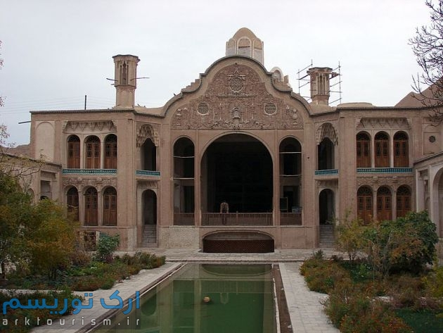 معماری-خانه-بروجردی-ها-2
