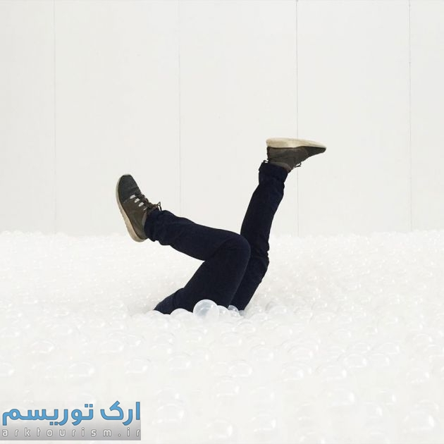 indoor-ball-pit-bubble-ocean-the-beach-snarkitecture-national-building-museum-28
