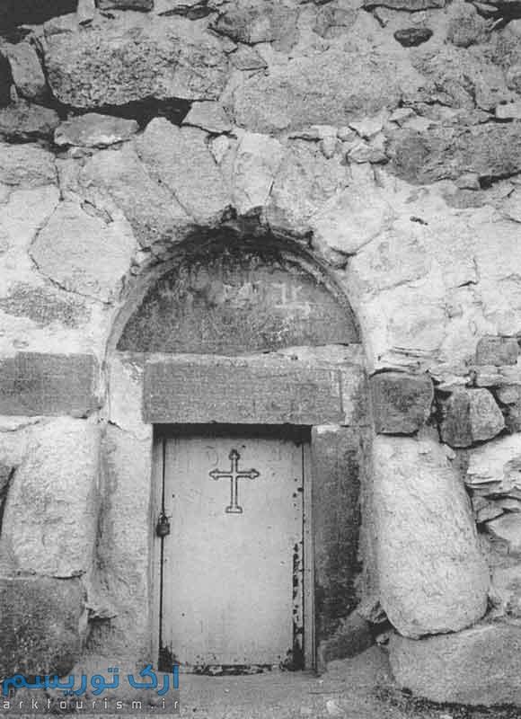 نمای خارجی و ورودی اصلی کلیسا