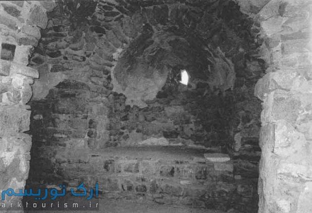 نمای زیرین گنبد اصلی کلیسا