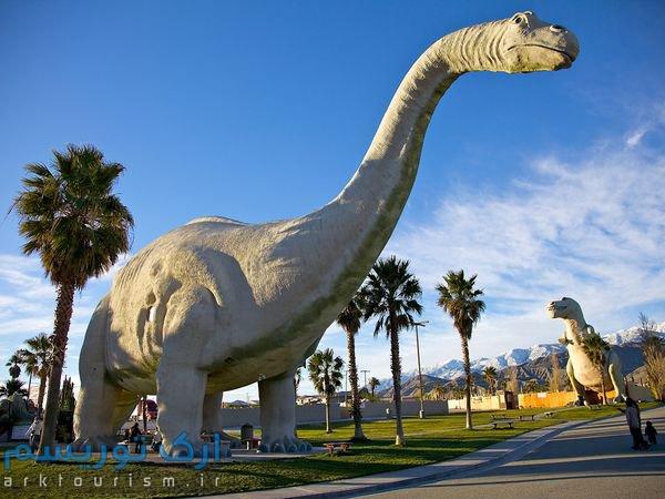1438690599535_kitsch-cabazon-dinosaurs_35671_600x450