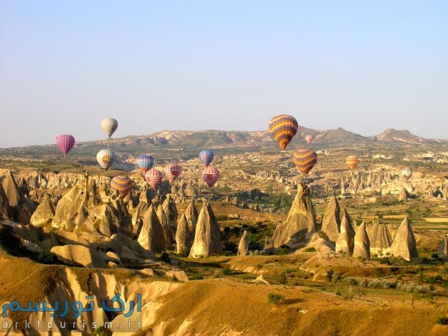 hot-air-balloon-over-Cappodocia-Turkey-Murray-Clark
