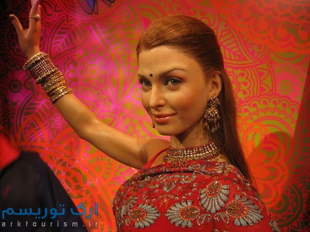 800px-Aishwaria_Ray_at_Madame_Tussauds