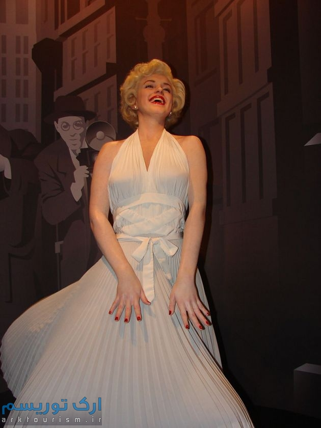 800px-Marilyn_Monroe_Wax_Statue_in_Madame_Tussauds_London