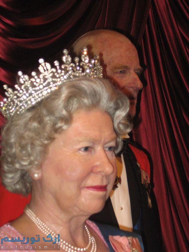 Queen_at_Madame_Tussauds