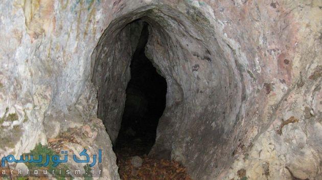 غار-وادار-روستای-دلیجان