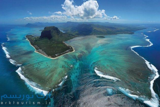 underwater-waterfall-mauritius1